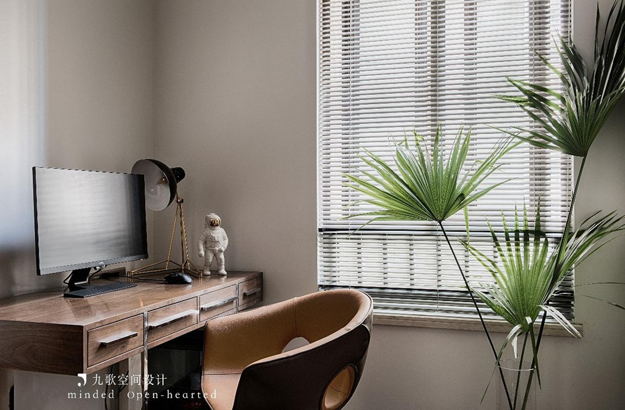 现代混搭三居室书房装修效果图