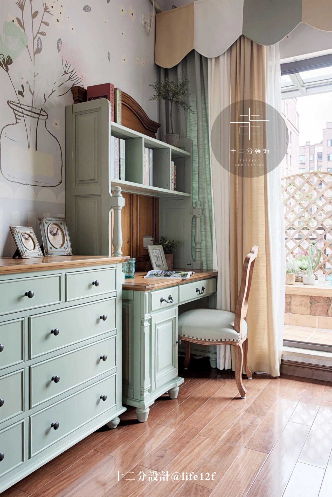 法式乡村别墅装修书桌设计图