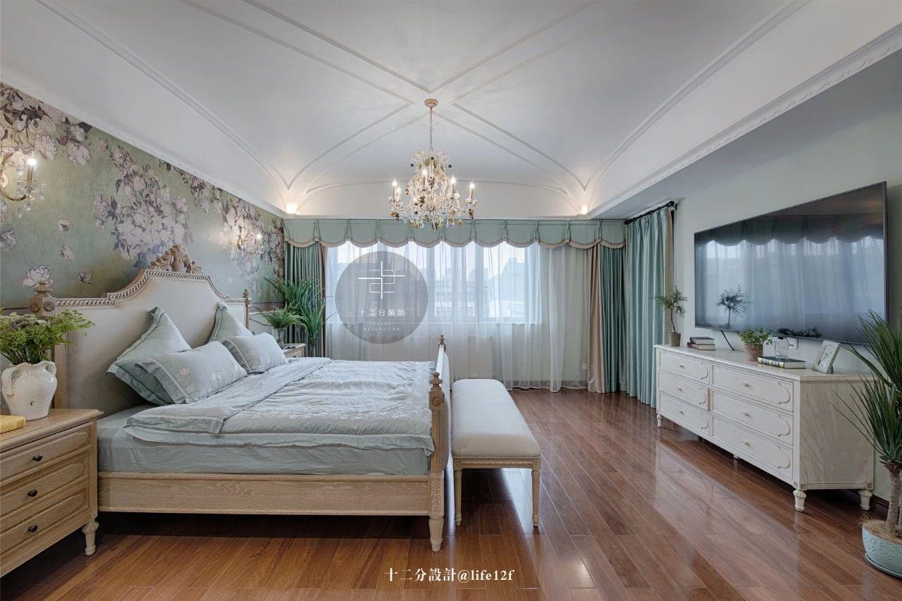 法式乡村别墅卧室装修效果图