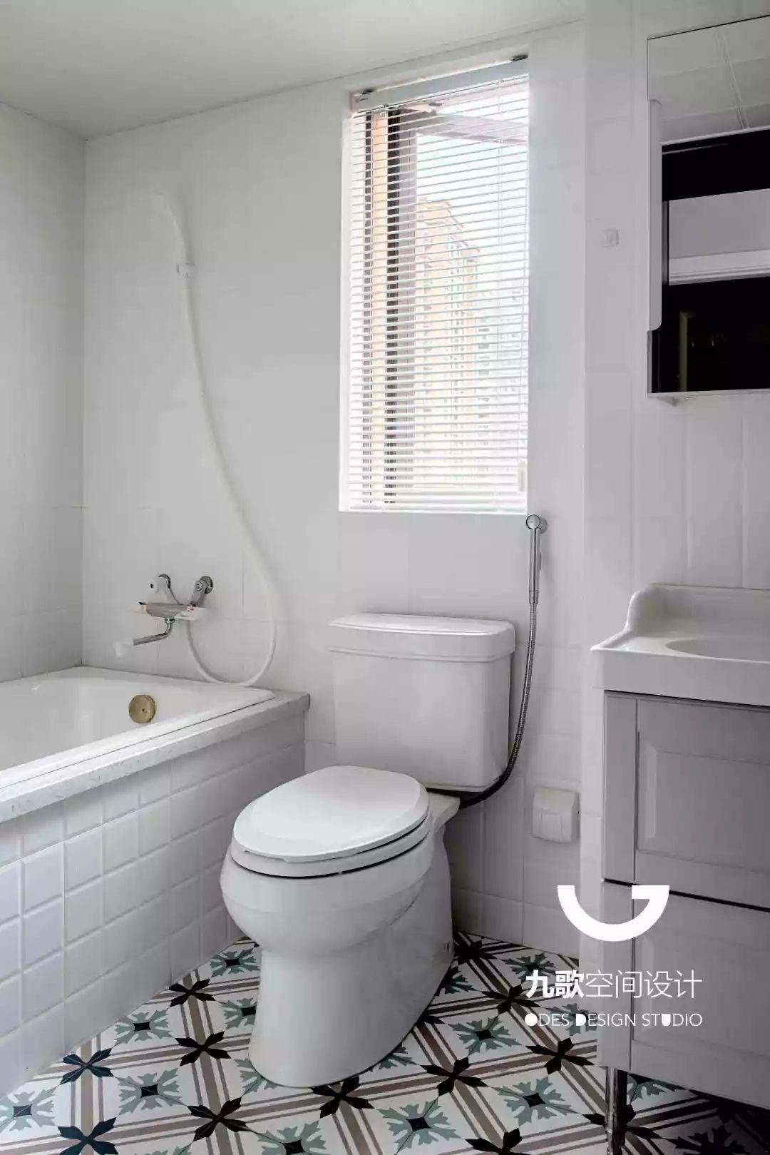 北欧风三居室卫生间装修效果图