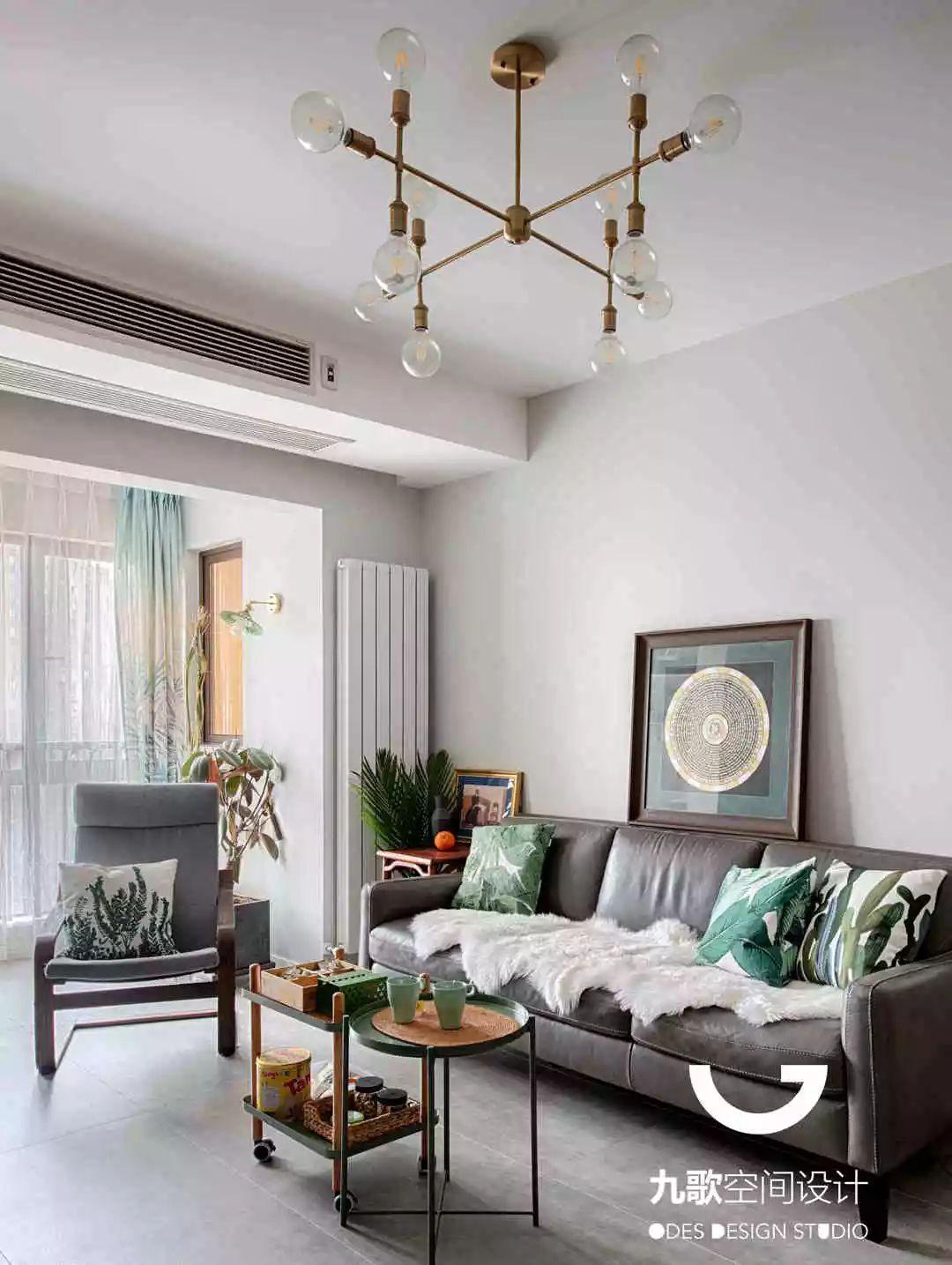 北欧风三居室装修客厅吊灯设计