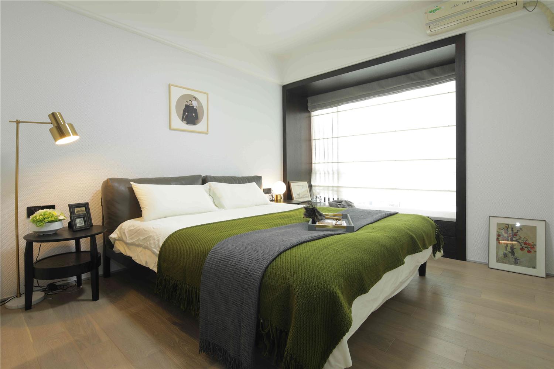 85㎡现代简约卧室装修效果图