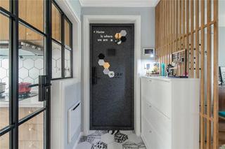 北歐風格三居室玄關裝修效果圖