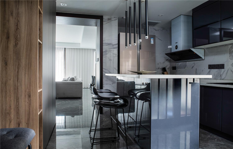现代简约三居厨房吧台装修效果图