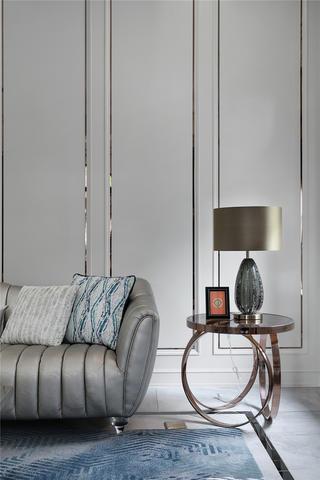 美式轻奢别墅装修沙发边几设计