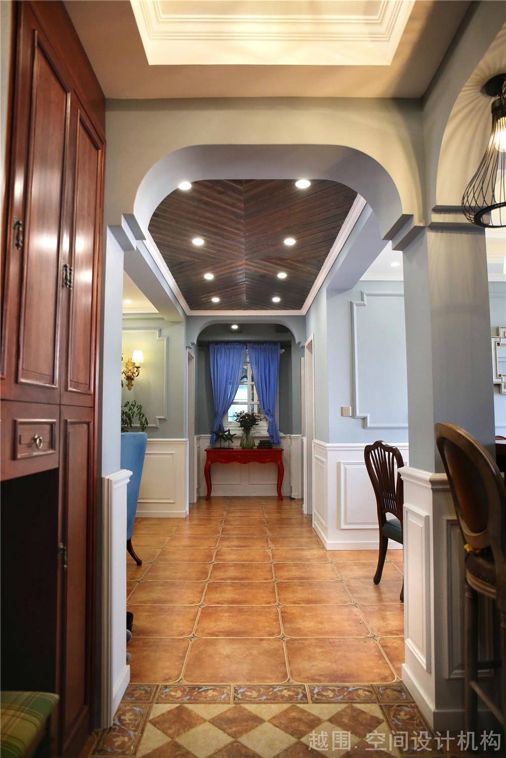 美式风格三居门厅装修效果图