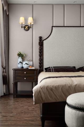 新中式风格四居装修床头一角