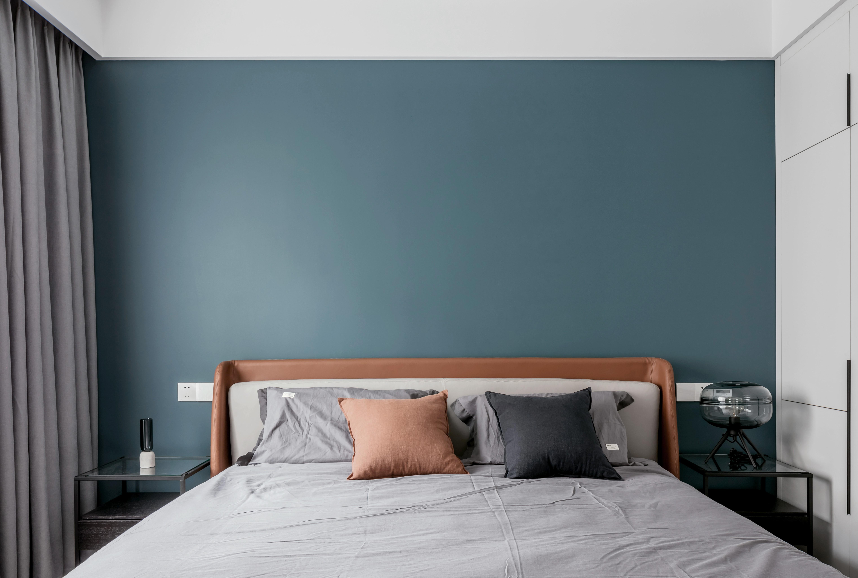 120㎡现代简约卧室背景墙装修效果图
