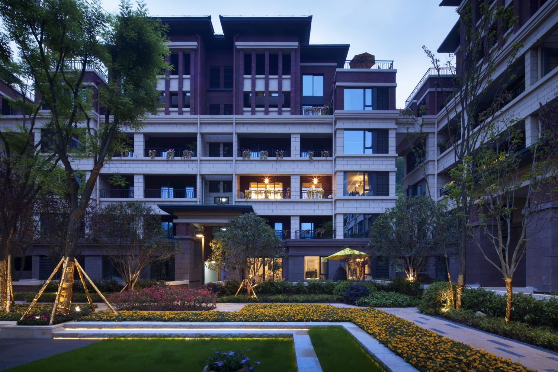 轻奢优雅别墅装修庭院设计
