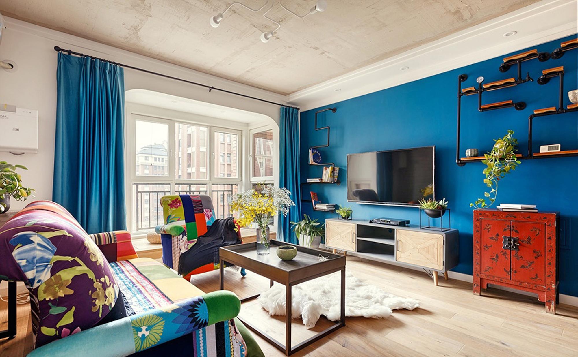 混搭风格三居室电视背景墙装修效果图