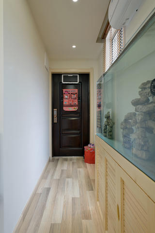 小户型二居室玄关装修效果图