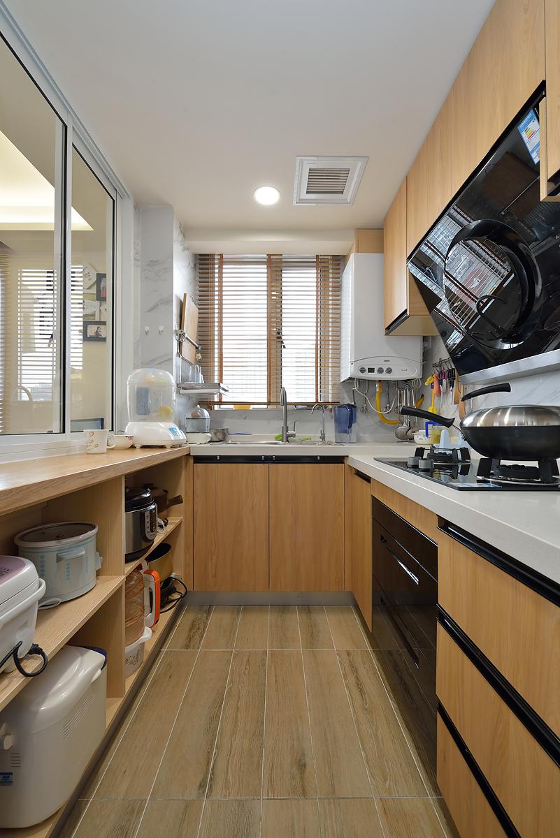 小户型二居室厨房装修效果图