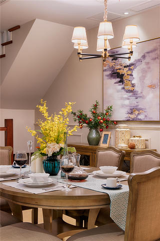 美式风格别墅装修餐桌椅设计图