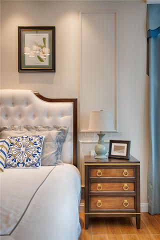 美式风格别墅装修床头柜设计图