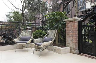 美式风格别墅庭院装修效果图