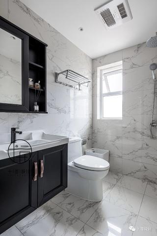 70㎡法式两居卫生间装修效果图