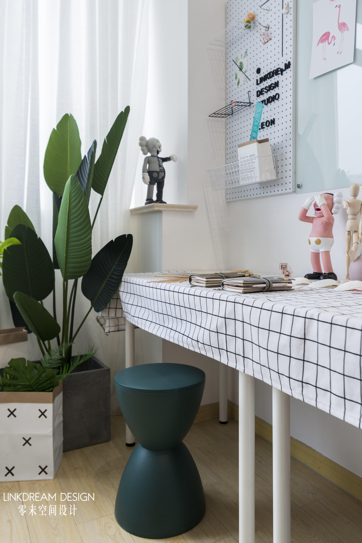 50㎡loft公寓装修书桌设计图