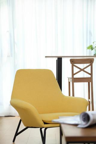 85平北欧风格装修黄色单椅设计