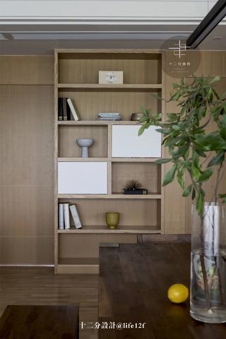 现代风格四居装修展示柜设计