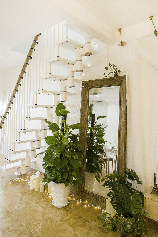 60平二居室装修穿衣镜设计
