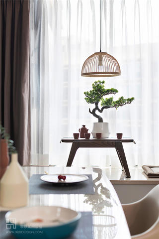 现代中式风三居装修飘窗小景