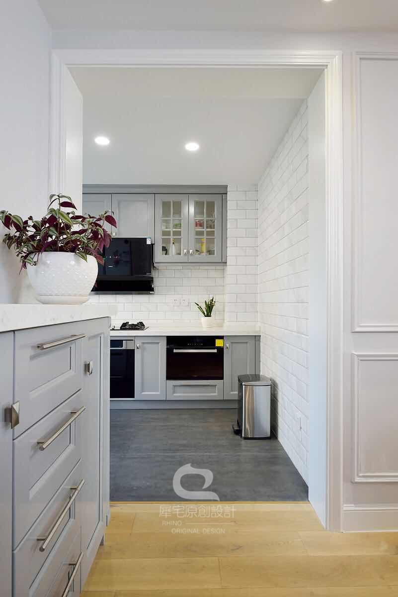 170平美式风格厨房装修效果图