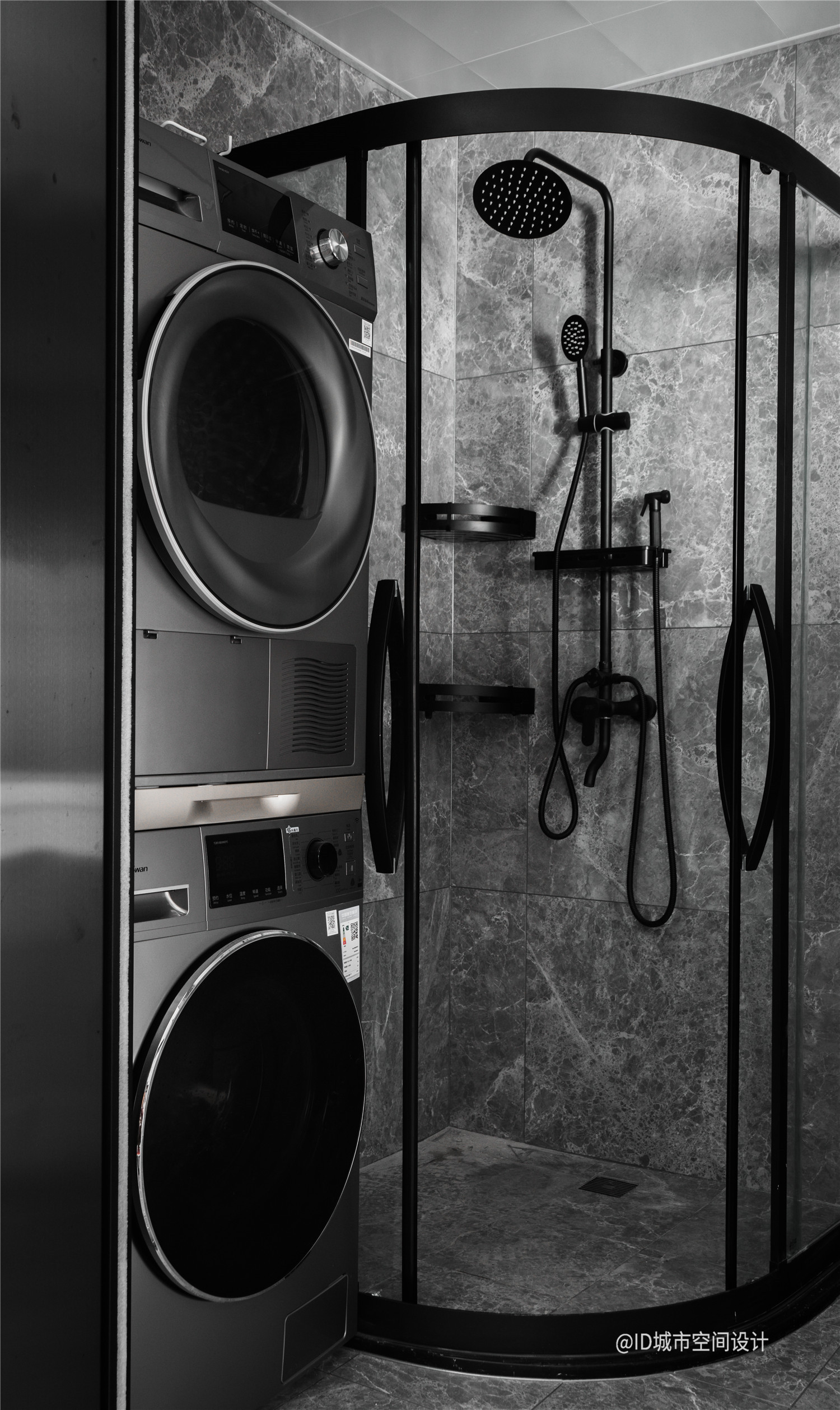 黑色调现代简约风卫生间装修效果图