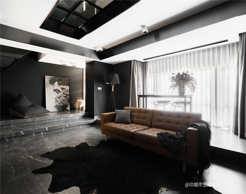 黑色调现代简约风客厅装修效果图