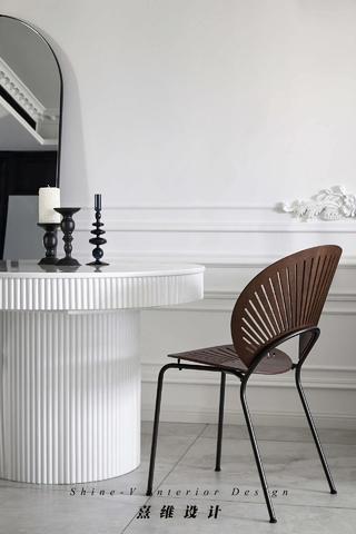 115㎡混搭两居室装修餐桌椅设计图