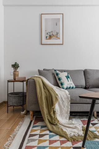 北欧风格两居室装修沙发一角