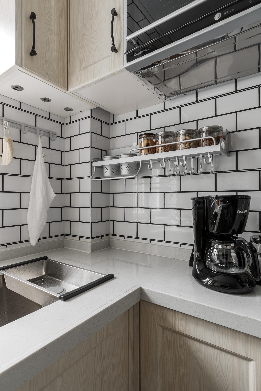 北欧风格两居室装修厨房一角