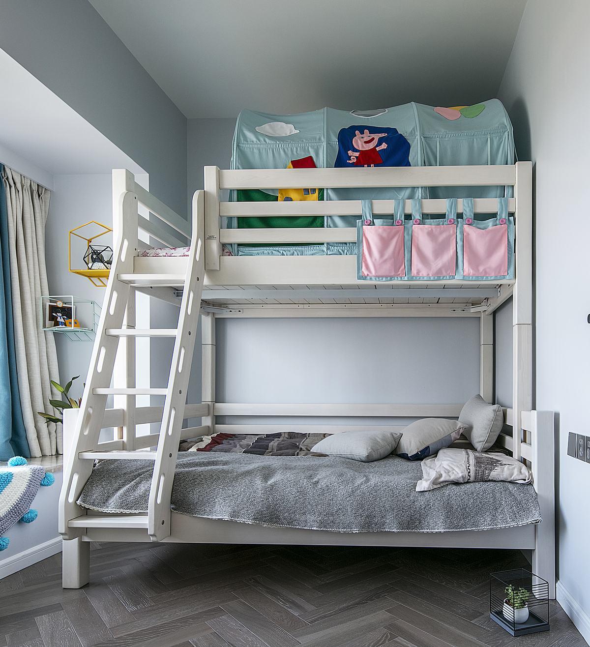 现代简约风三居装修儿童床设计图
