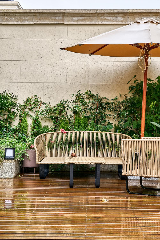 美式轻奢风别墅花园庭院装修效果图