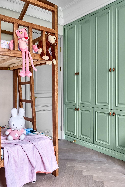 美式轻奢别墅装修儿童房衣柜设计