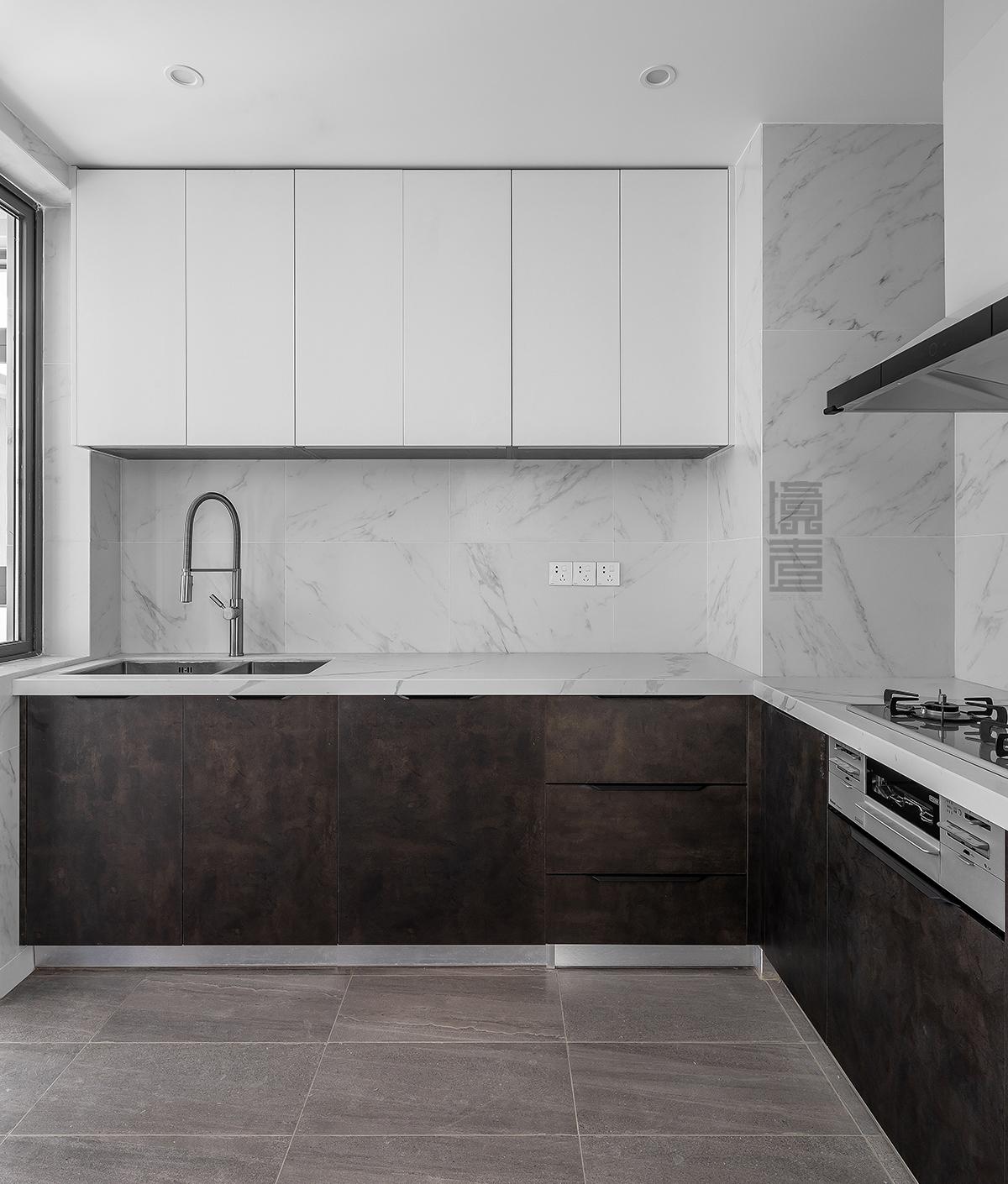 125平现代简约风厨房装修效果图