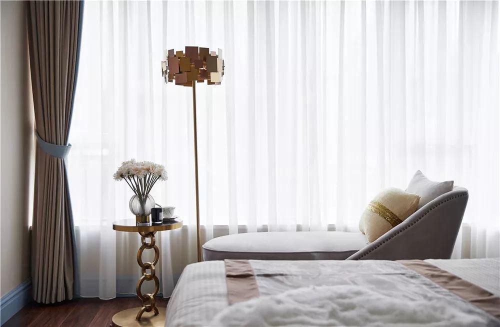 110㎡美式三居装修卧室躺椅设计