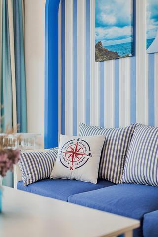 地中海风格三居装修沙发抱枕特写