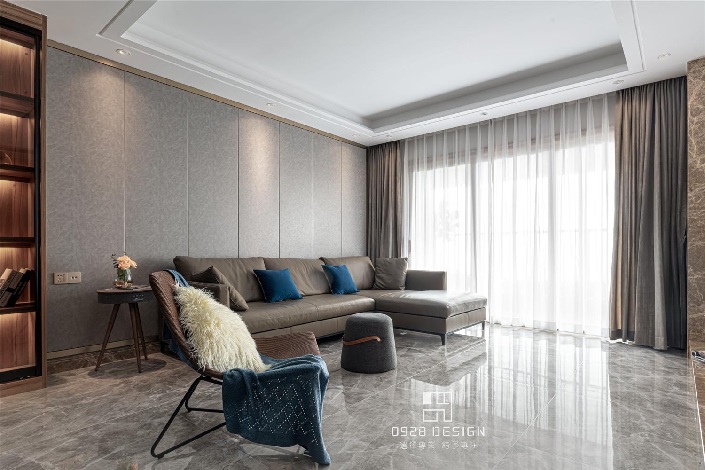 168㎡现代简约客厅沙发墙装修效果图