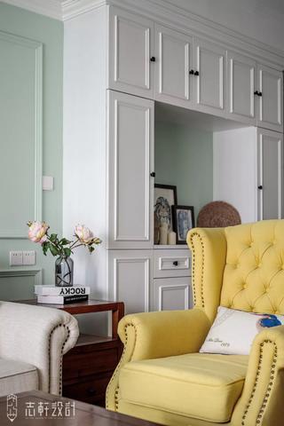 美式田园三居装修黄色沙发椅设计