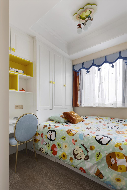 轻奢美式四居榻榻米儿童房装修效果图