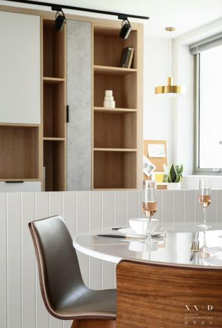 150㎡现代三居装修餐厅细节图
