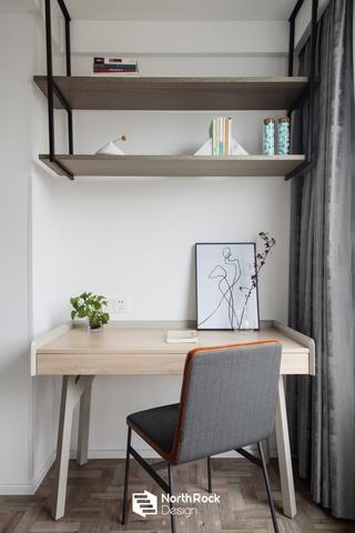 108㎡简约现代风装修阳台书桌设计