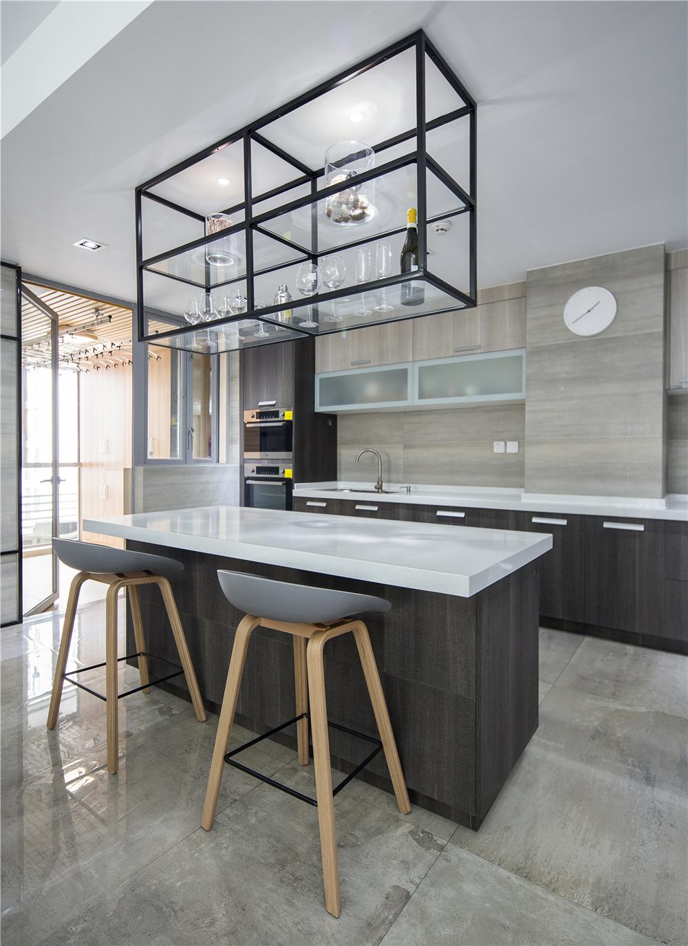 173平现代简约风厨房吧台装修效果图