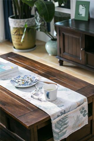 美式风格三居装修茶几特写