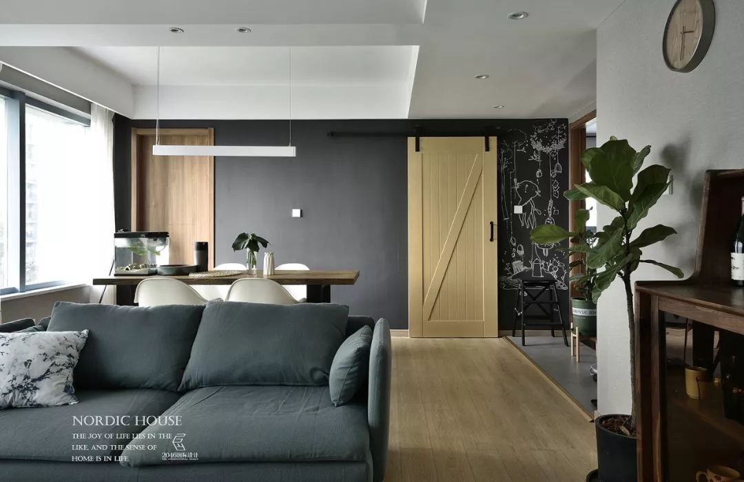 130平北欧风格装修谷仓门设计
