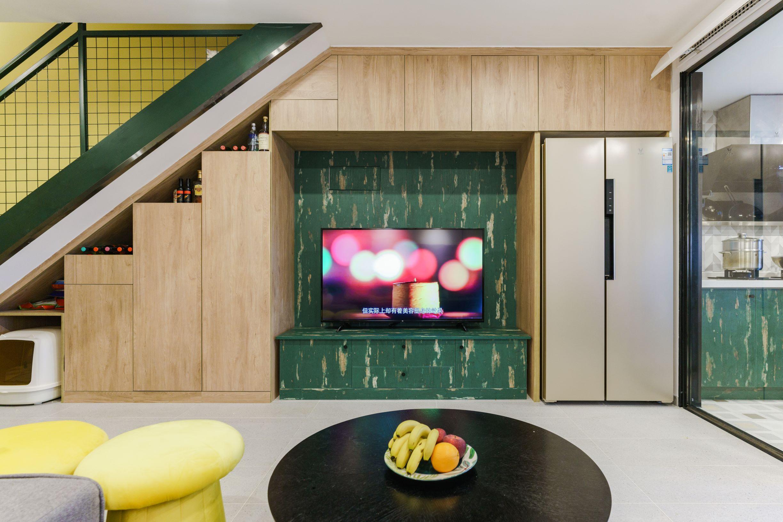 简约loft二居室电视墙装修效果图