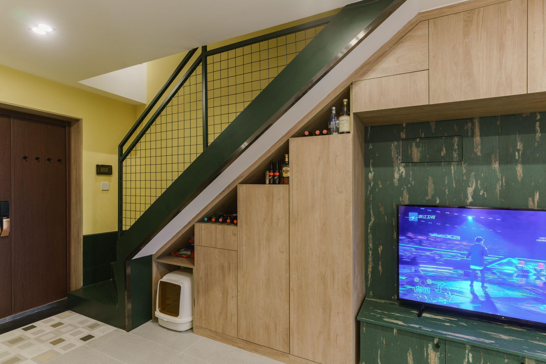 简约loft二居室装修楼梯储物柜设计