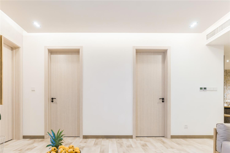 日式北欧风三居装修木门设计