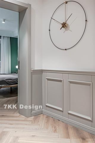 85平米两居室装修极简挂钟设计