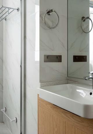 日式风格四居室卫生间装修效果图